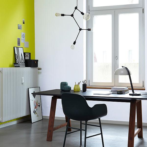 Farbwirkung von Licht und Wandfarbe in Räumen